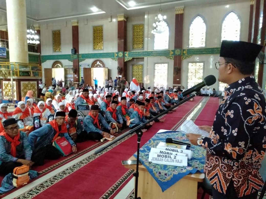 Sebanyak 105 Jemaah Calon Haji Asal Pessel Dilepas