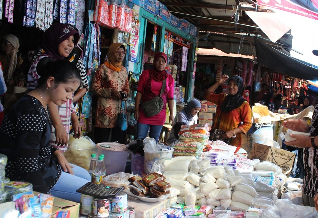 Jelang Ramadhan Pemkab Pessel Gelar Operasi Pasar