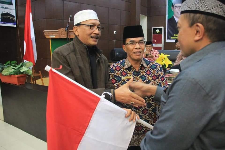 Jemaah Haji Asal Pessel Disambut Bupati Hendrajoni di BIM