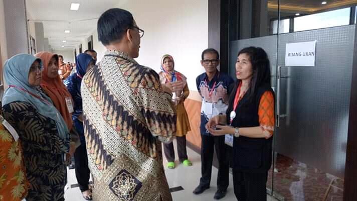 Bupati Pessel Pastikan Kesiapan Pelaksanaan CPNS dari Pesisir Selata di UNP Padang