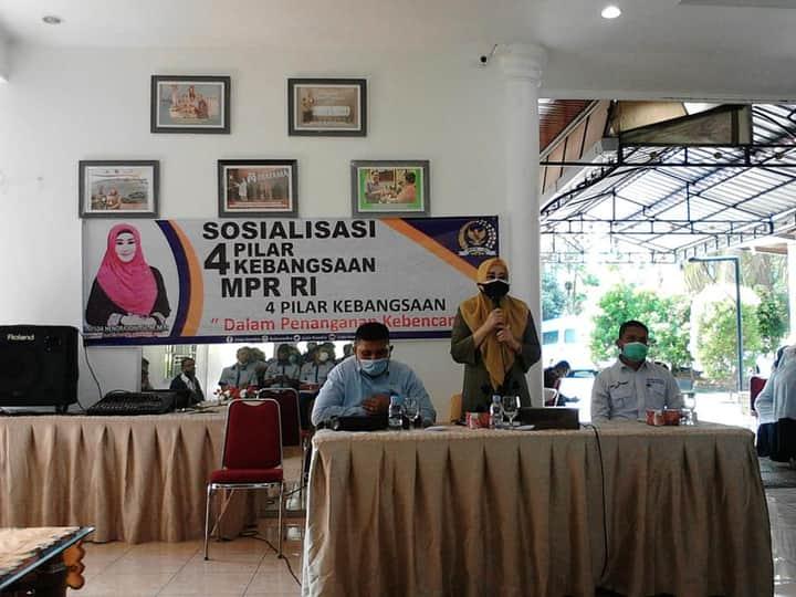 Lisda Hendrajoni Anggota DPR RI Sosialisasi Empat Pilar Kebangsaan Bersama Pendamping Desa se-Kabupaten Pesisir Selatan