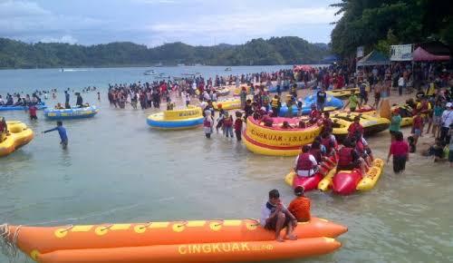 Tahun 2021 Target Kunjungan Wisata Pessel Tiga Juta Jiwa
