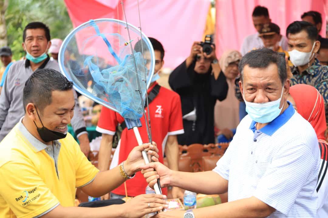 Rusma Yul Anwar Buka  Lomba Memancing Bumi Sakti dan Lakukan Penanaman Perdana Bawang  Di Airpura