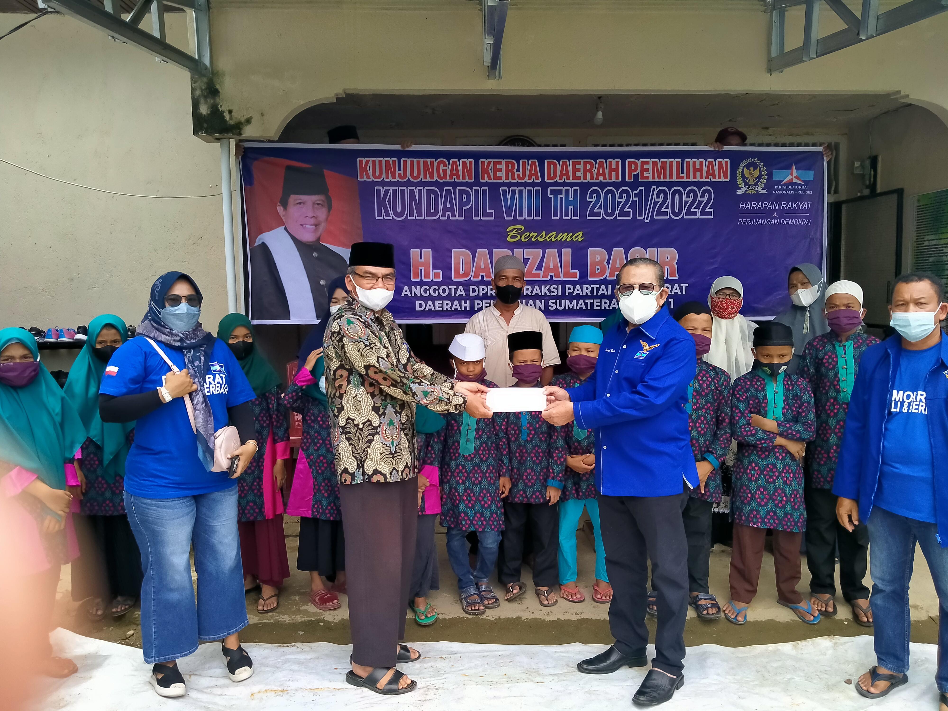 Panti Asuhan Muhammadiyah Terima Bantuan Dana Dari Anggota DPR RI Darizal Basir