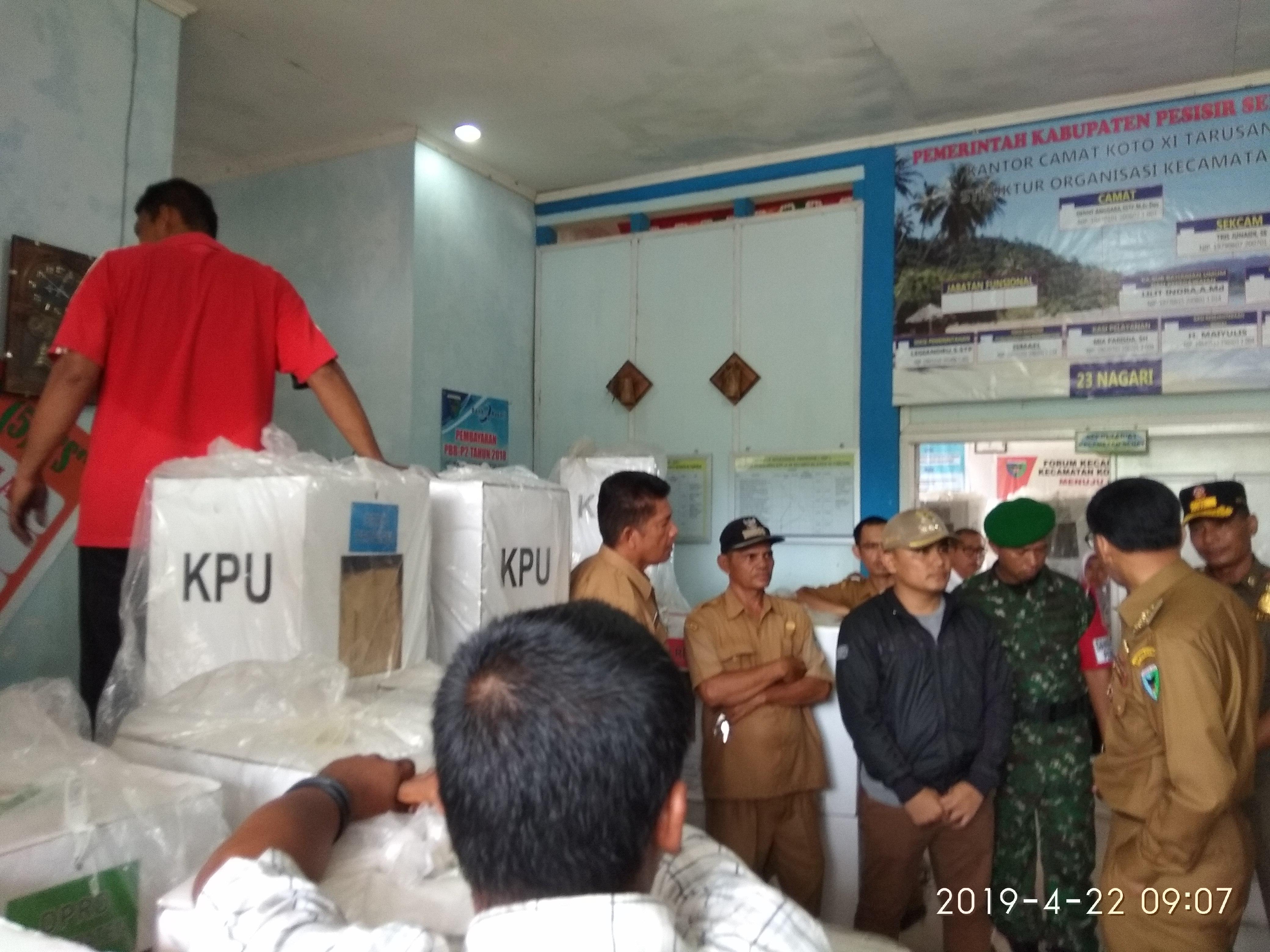 Gudang logistik Pemilu di Kecamatan Koto XI Tarusan terbakar