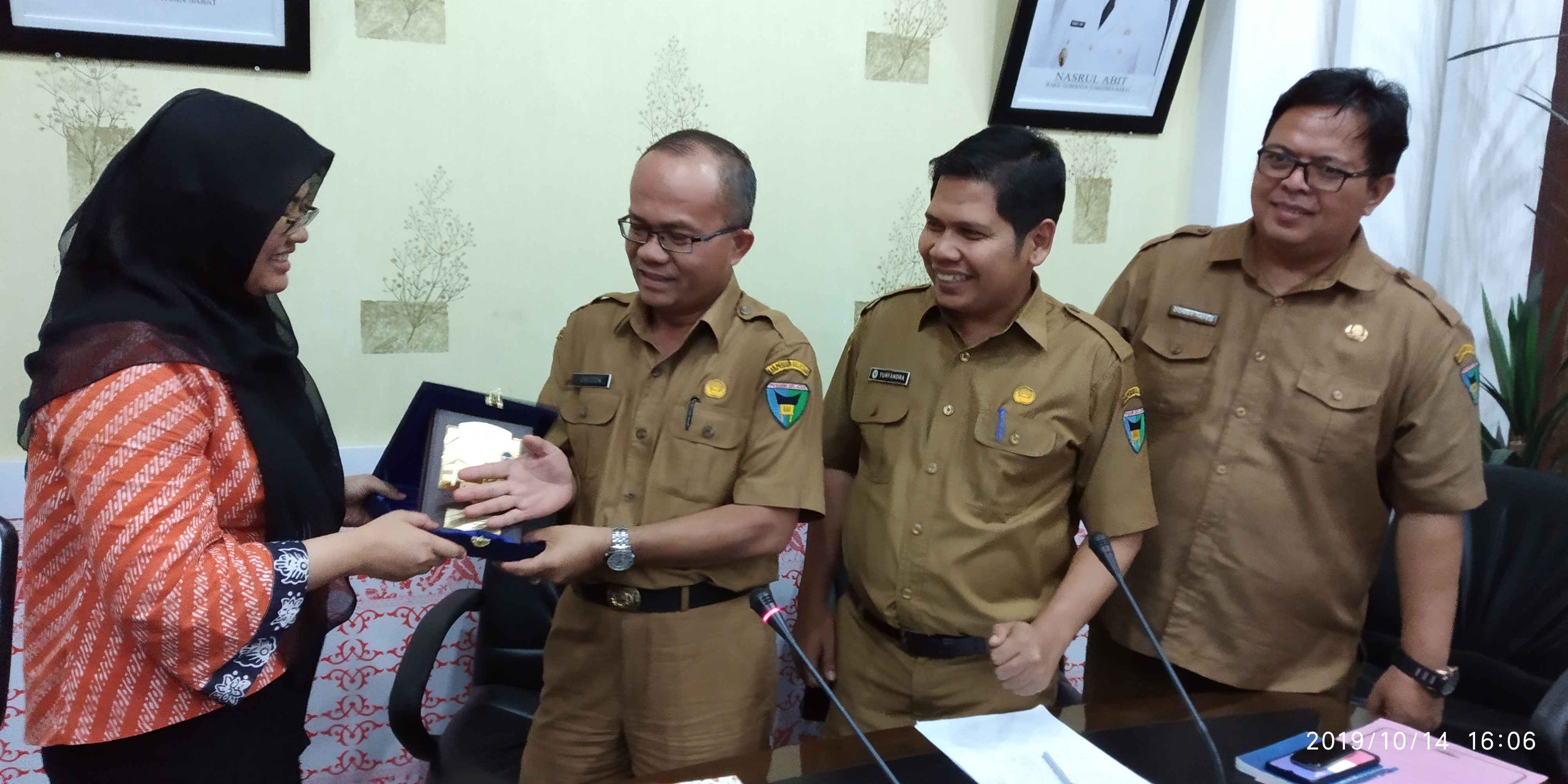 Sekdakab Pessel Ir Erizon MT sambut  UIN Hidayatullah Jakarta  gelar Germas di Nanggalo Tarusan