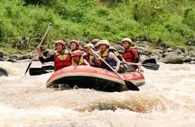 Olahraga_Arum_Jeram_di_Aliran_Sungai_Batang_Lumpo_Nagari_Limau_Gadang_Lumpo_(dok_Pemkab_Pessel).jpg