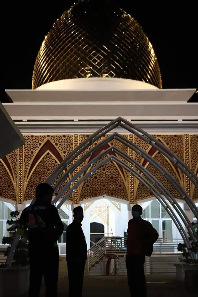 Visi Agamais : Aktualisasi Imam Mesjid dan Simbolisasi Mesjid Terapung